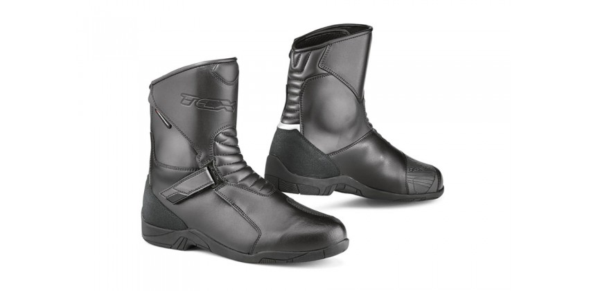 Hub WP  Sepatu Boots 0