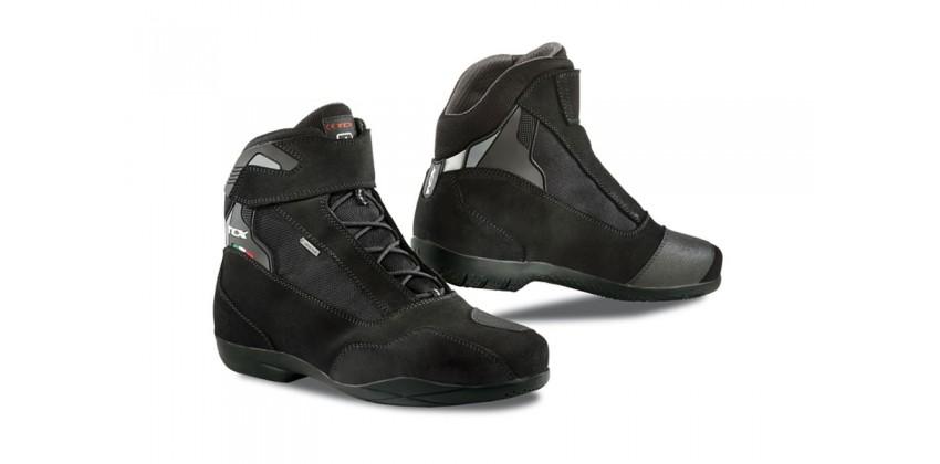 Jupiter 4 Gore-Tex  Sepatu Riding Shoe 0