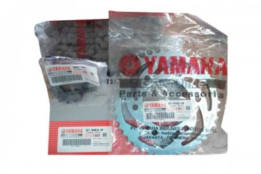 Yamaha Genuine Parts 3C1-F5442-00 Chain Kit Silver